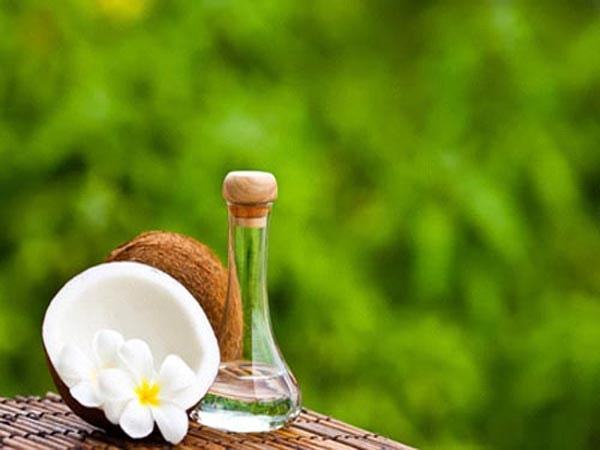 Giữ ẩm da bằng tinh dầu