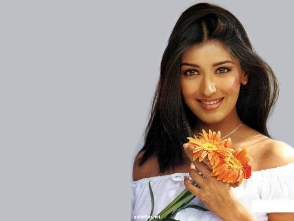 Công thức dưỡng tóc dài, dày siêu nhanh của phụ nữ Ấn Độ 2