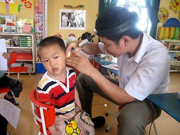Dịch vụ ngoáy tai của chàng trai này được nhiều người ủng hộ