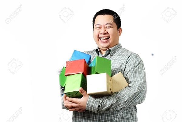 Chọn quà Tết 2017 để tặng nhân viên văn phòng nên chú ý vào sở thích của mỗi người
