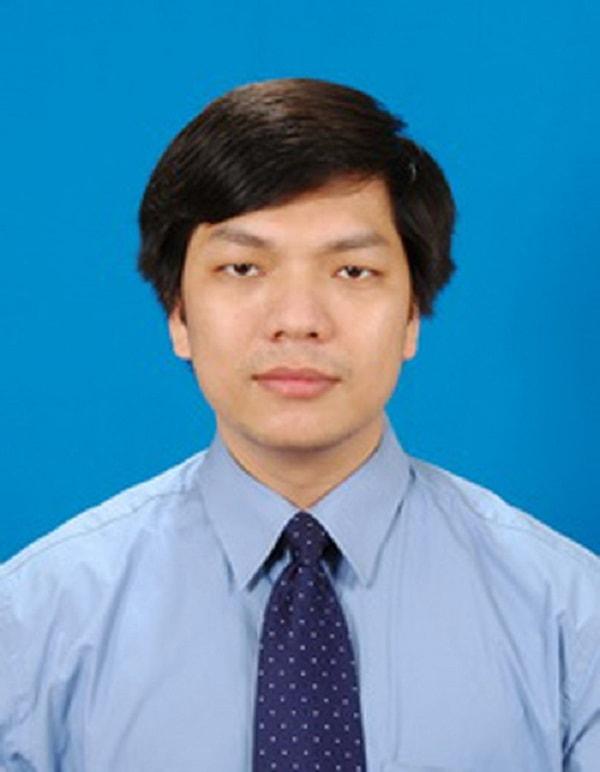 Thầy Đinh Đoàn Long – Giảng viên khoa Sinh đại học Khoa học tự nhiên