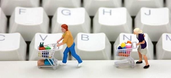 Lựa chọn mua sắm online đang là nhu cầu lớn của người dân