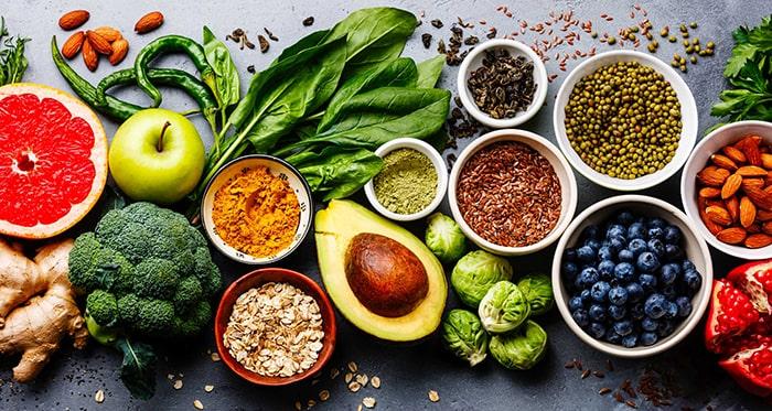Chế độ ăn uống nhiều rau xanh sẽ giúp bạn không tăng cân nhanh sau khi bỏ thuốc