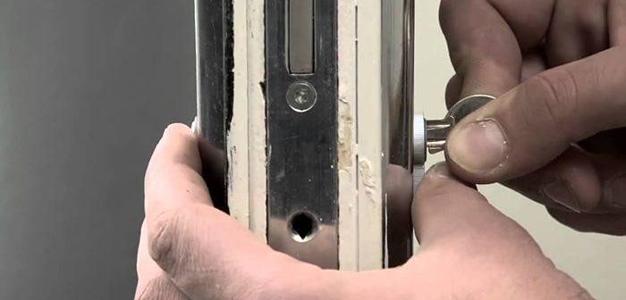Mách bạn cách tự thay khóa cửa tại nhà an toàn