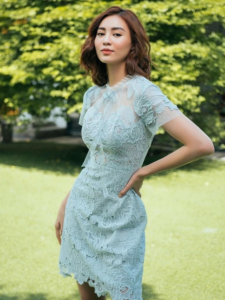 Ninh Dương Lan Ngọc với style giản dị mà đẹp chất