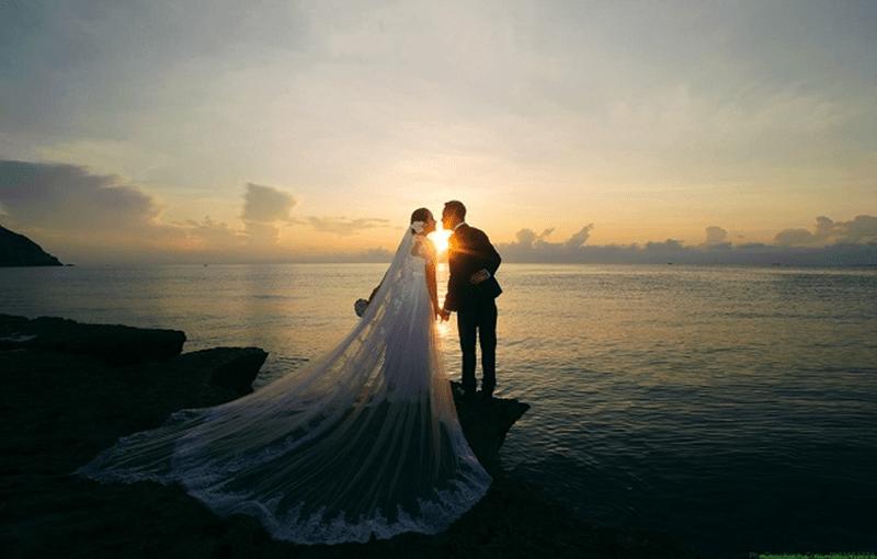 Chụp ảnh cưới tại biển