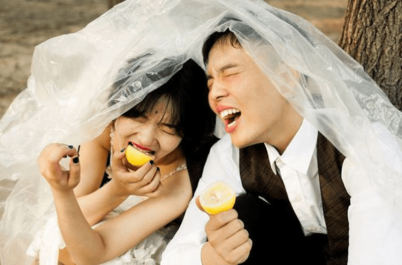 Ảnh cưới sôi động với sắc vàng của mùa hè