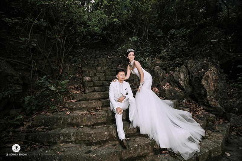 Chụp ảnh cưới trên rừng